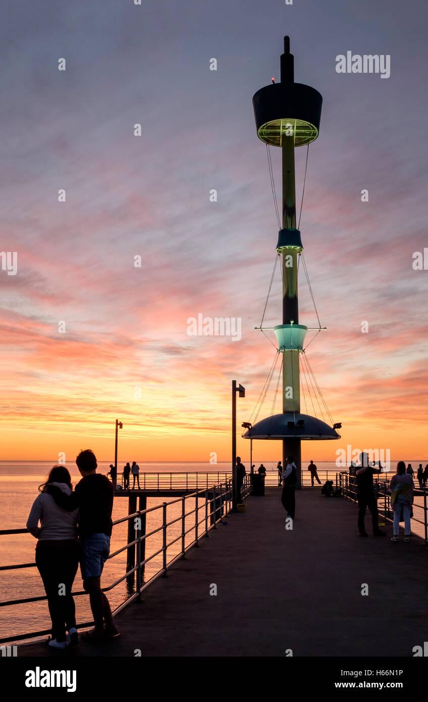 Coucher de soleil à la plage de Brighton, l'Adelaide Australie Adelaide Photo Stock