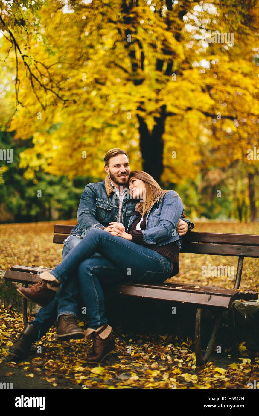 Banc d automne en parc photo stock image 40365335 - Faire l amour sur un banc ...