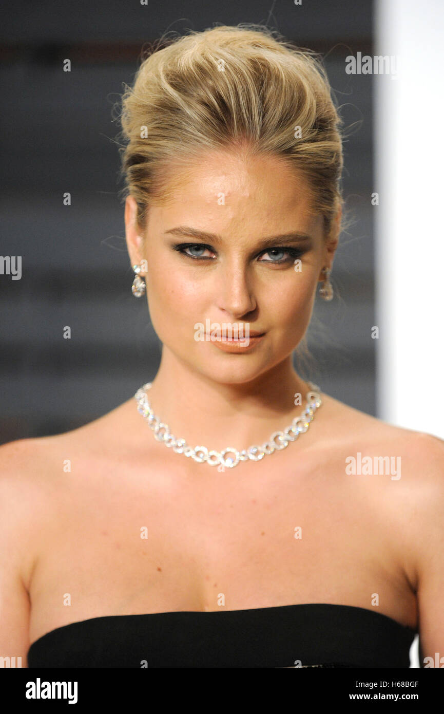 Celebrites Genevieve Morton naked (57 photo), Tits, Cleavage, Feet, lingerie 2019