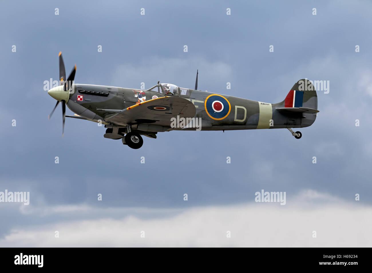 Royal Air Force RAF Supermarine Spitfire Mk V AB910 série