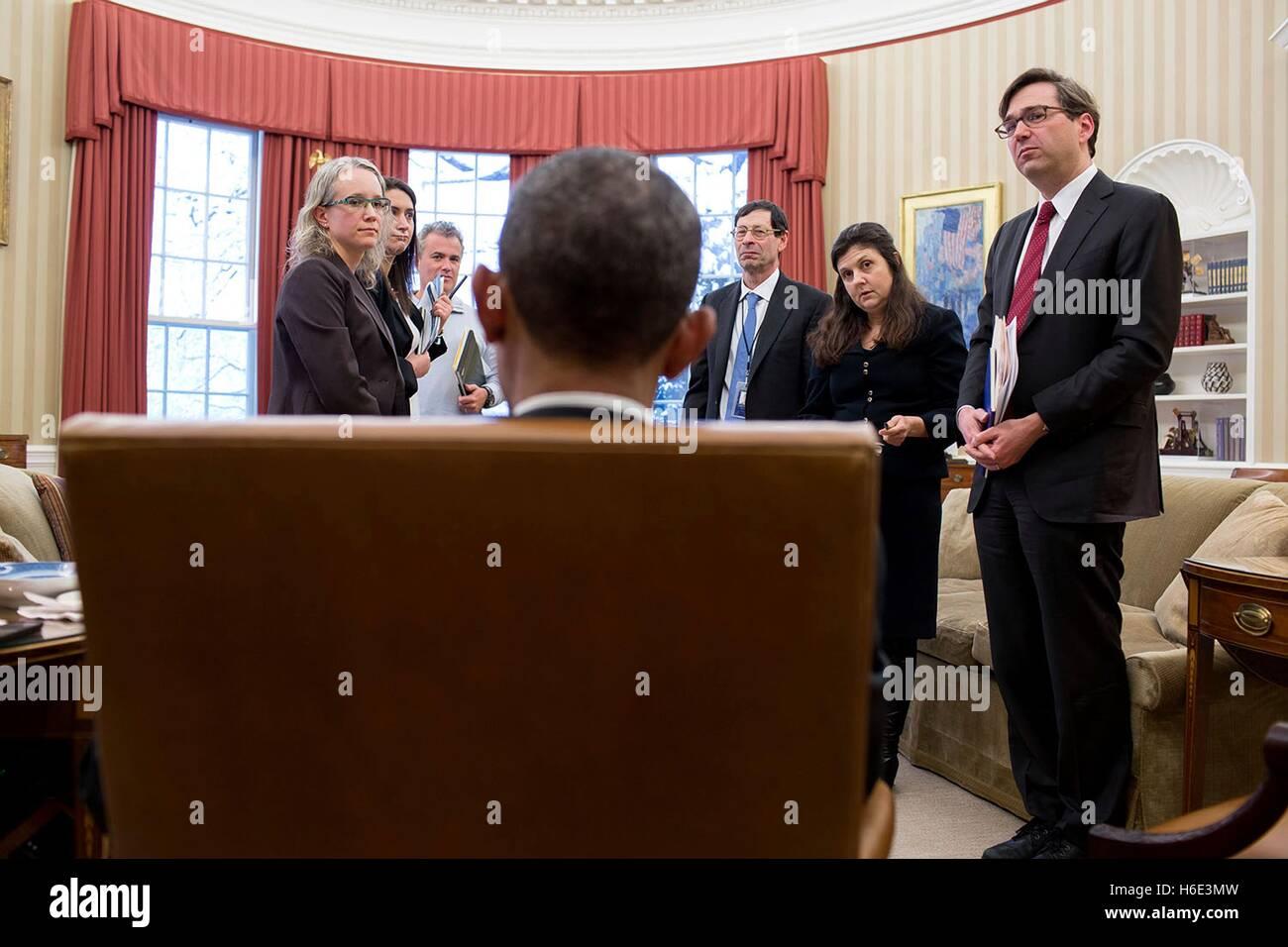 Le président des États-Unis, Barack Obama parle aux Conseil des conseillers économiques de personnel Photo Stock