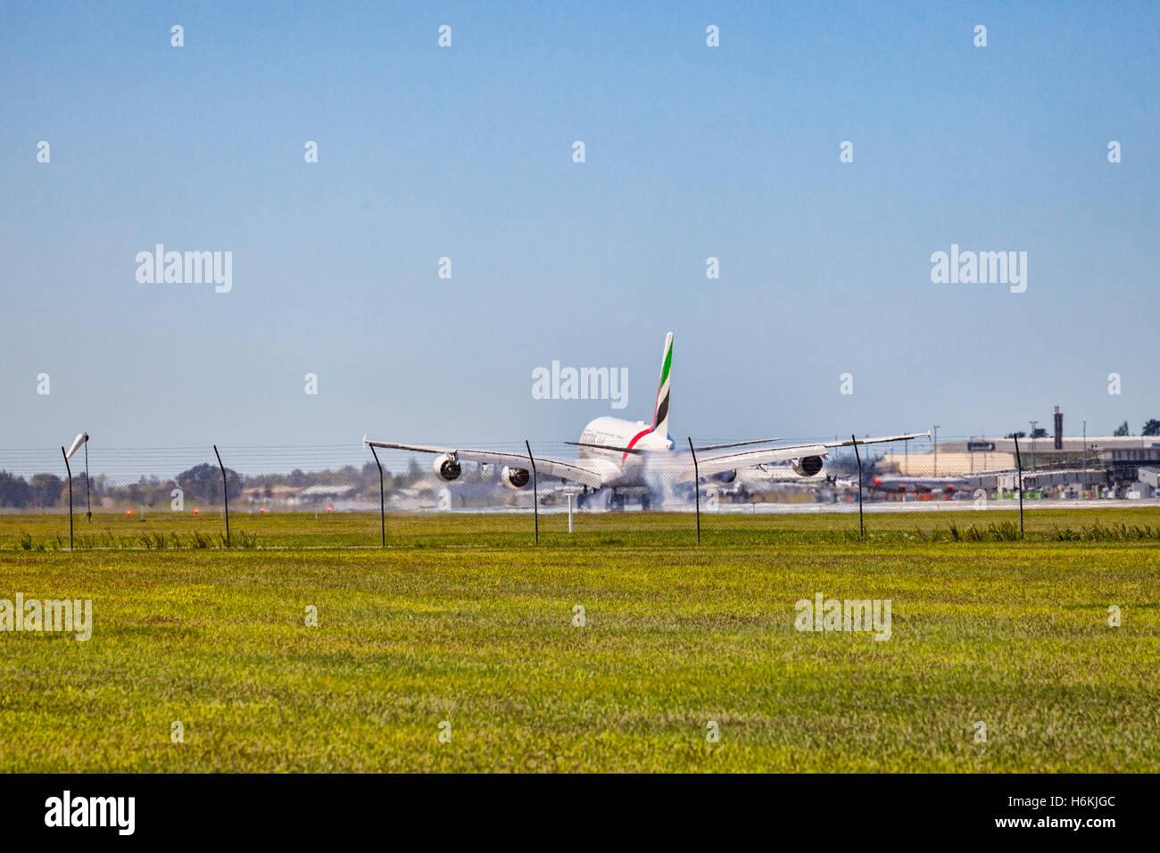 Christchurch, Nouvelle-Zélande. 31 octobre 2016. Le premier Airbus A380 d'atterrir à l'aéroport Photo Stock