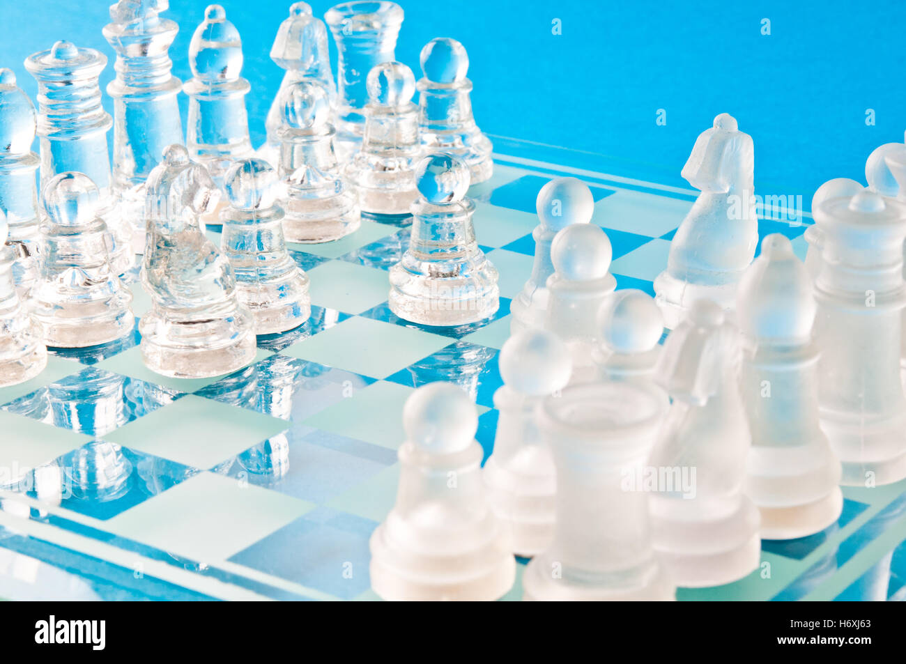 jeu d'échecs en verre Banque D'Images