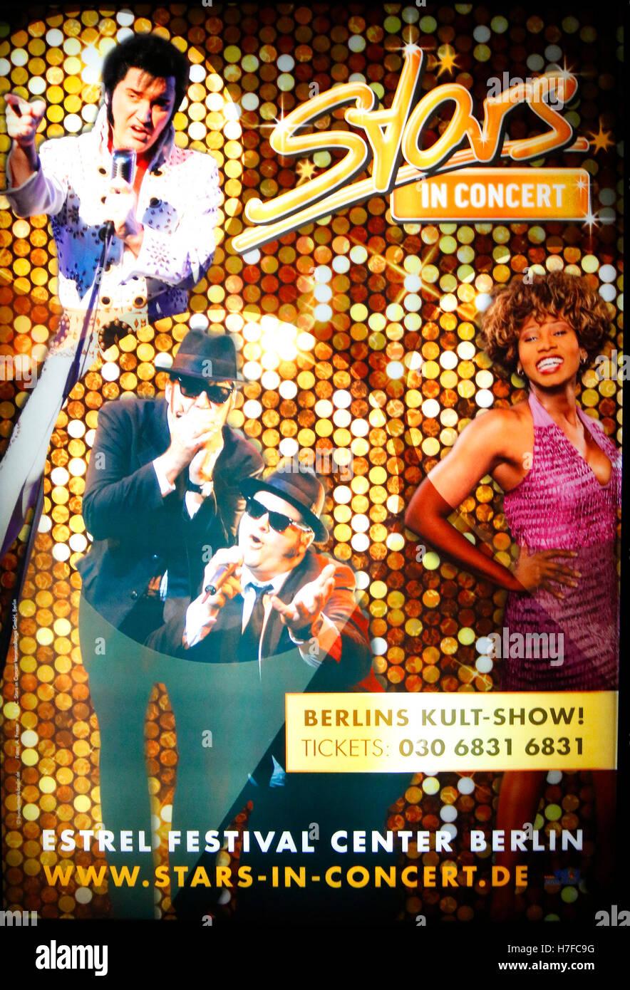 Ein Plakat von 'Stars en concert' mit von Doppelgaengern Elvis Presley, den Blues Brothers und Tina Turner, Photo Stock