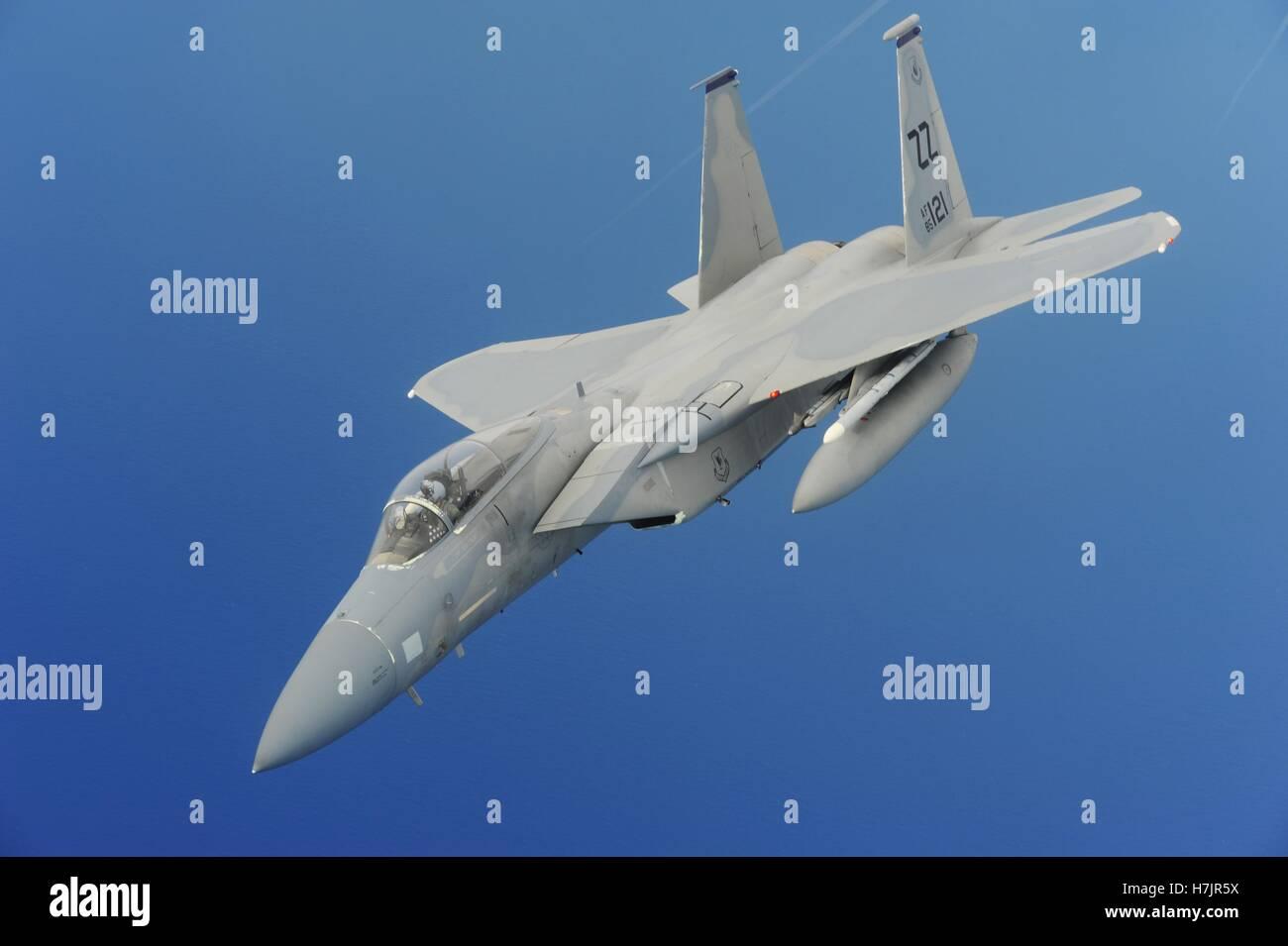 Un avion de chasse F-15 Eagle en vol au cours de l'exercice Valiant Shield le 19 septembre 2014, plus de Yigo Photo Stock