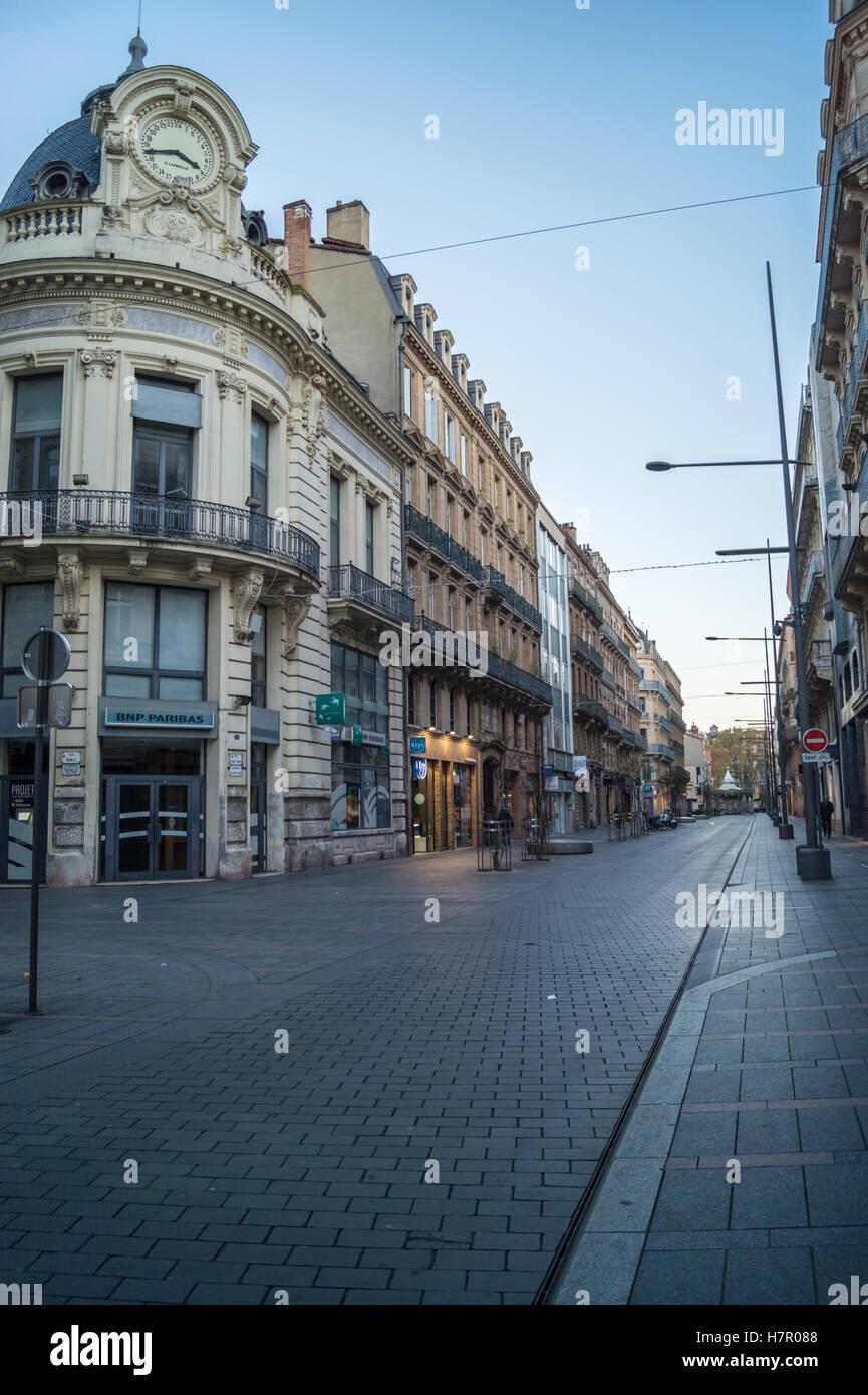 24 heures de BNP Paribas bâtiment par Lamaille, 1895, Rue d'Alsace-Lorraine à l'aube, Toulouse, Haute-Garonne, France Banque D'Images