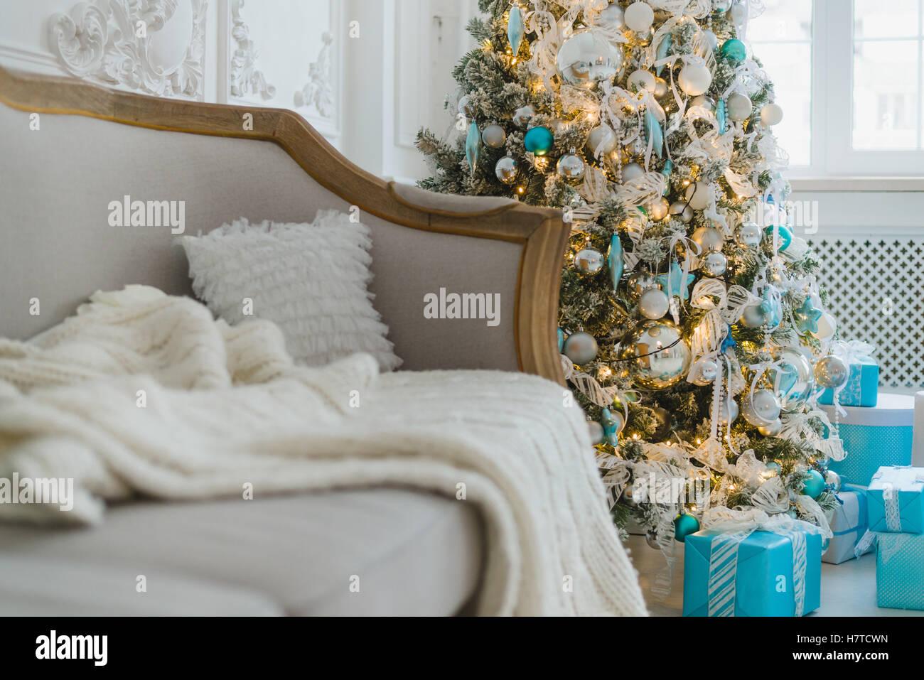 D coration de no l ou nouvel an au salon int rieur et for Decoration maison nouvel an