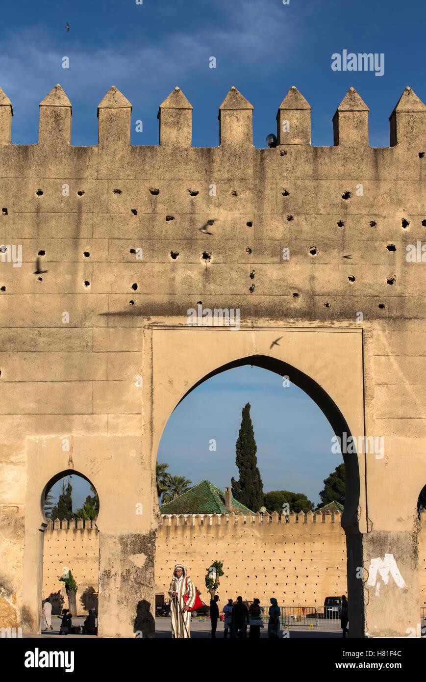 Le Maroc, Fès, murs de la mechouar entourant la ville Photo Stock