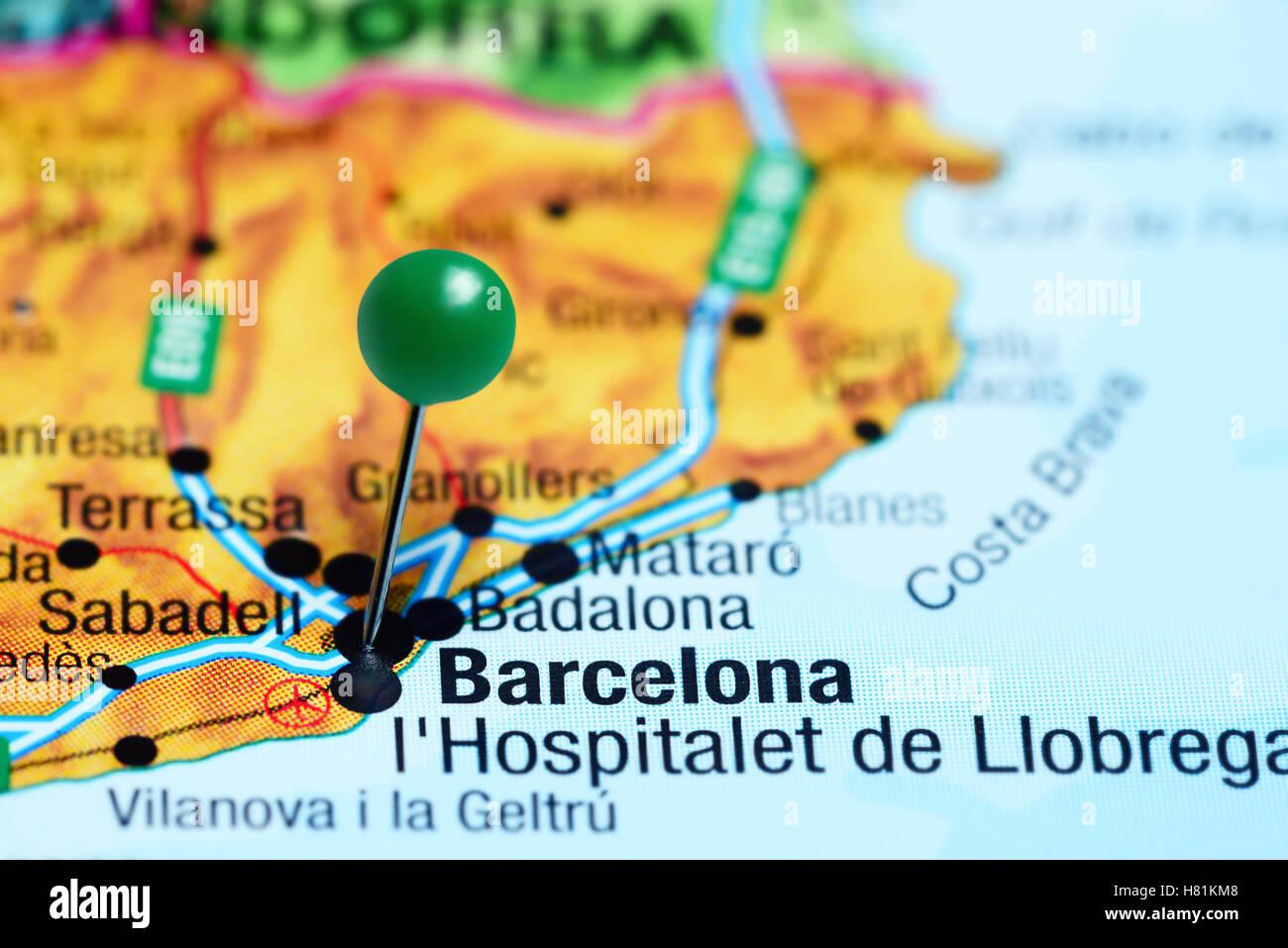 Carte De Lespagne Barcelone.Barcelone Epinglee Sur Une Carte De L Espagne Banque D Images Photo