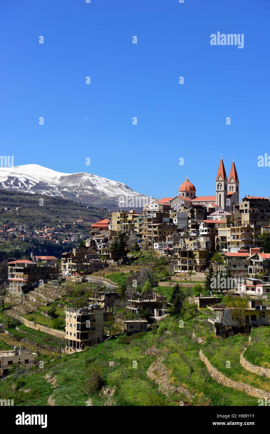 Vue générale sur Bcharré et la vallée Qadisha, le nord du Liban. Photo Stock