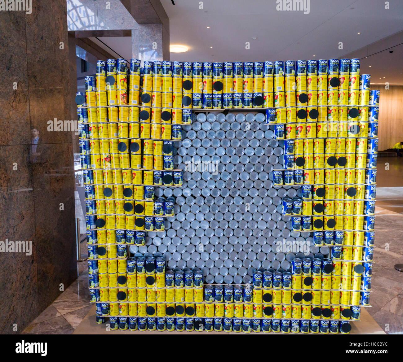 Asnp! Et la faim est allé par Ganmett Fleming dans la 24e édition du Concours de Design de Canstruction Photo Stock