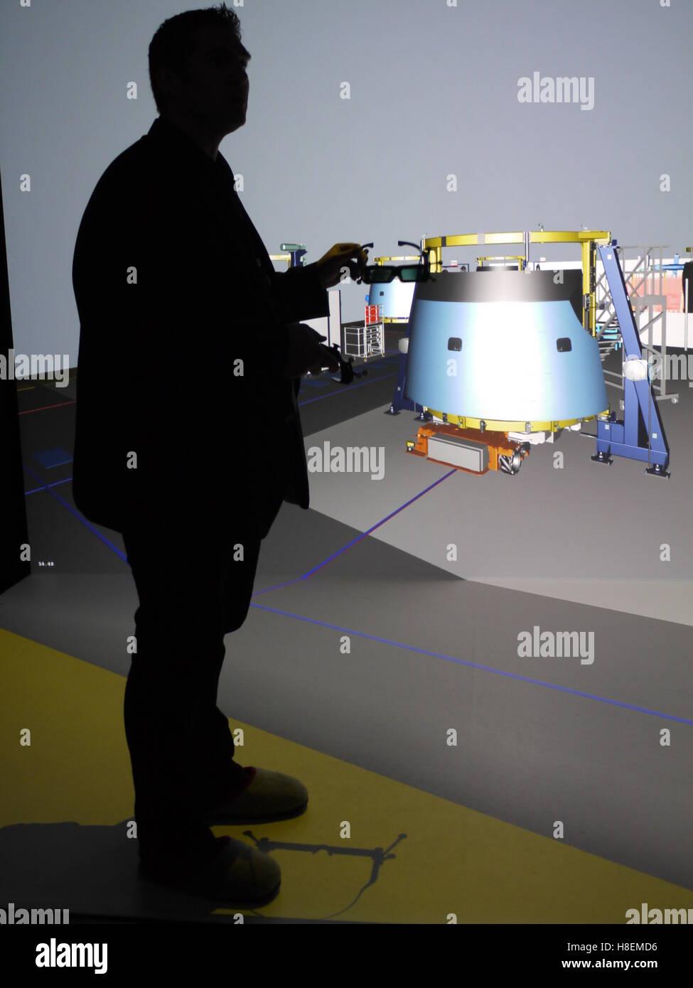Une réalité virtuelle 3D visualization system est utilisé pour organiser la production à l'usine Photo Stock