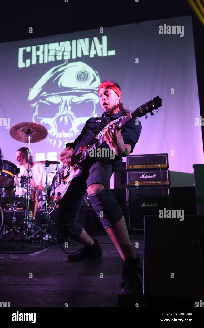 Bristol basée Punk Rock esprit criminel exécuté à Swindon Meca lieu musique 11 Novembre 2016 Photo Stock