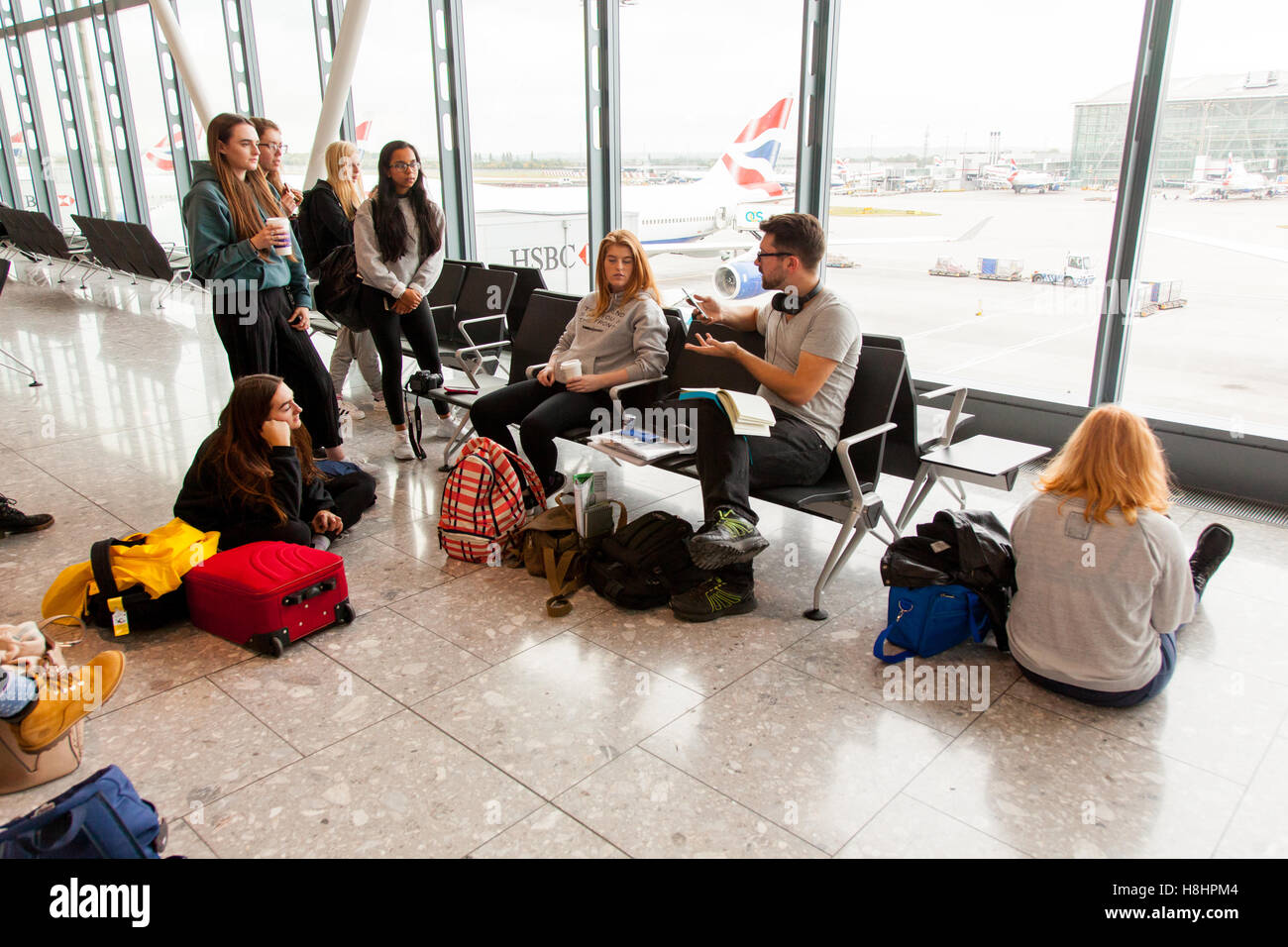 Cinq terminaux, l'aéroport de Heathrow, Londres, Angleterre, Royaume-Uni. Photo Stock