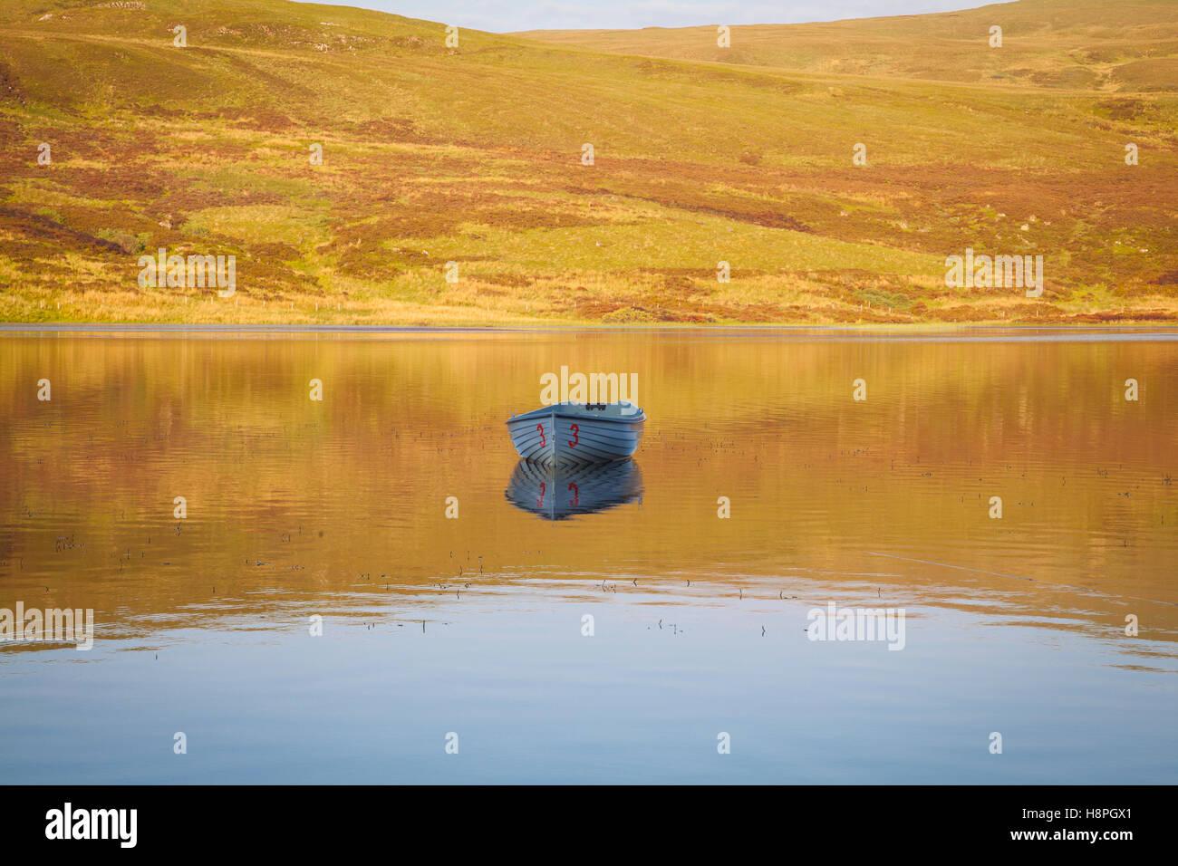 Barques sur le Loch Fada, île de Skye, Écosse Banque D'Images