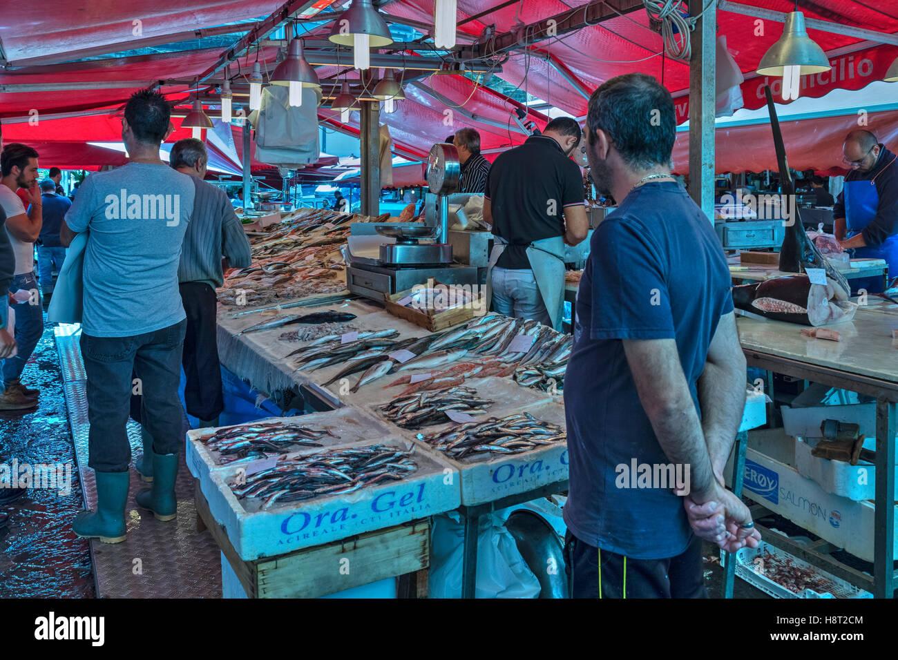 La Pescheria, marché aux poissons, Catane, Sicile, Italie Banque D'Images