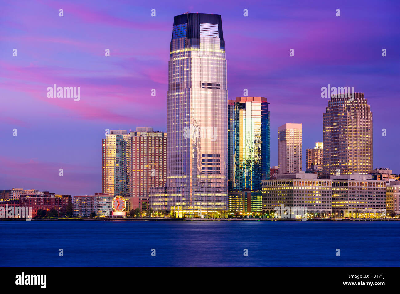 Lieu d'échange, Jersey City, New Jersey, USA Skyline sur la rivière Hudson. Photo Stock
