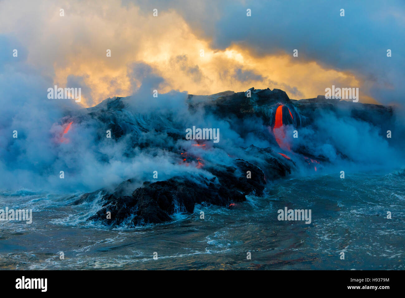 Excursion en bateau de lave, Kilauea Volcano, HVNP. Île de Hawaii, Hawaii Photo Stock