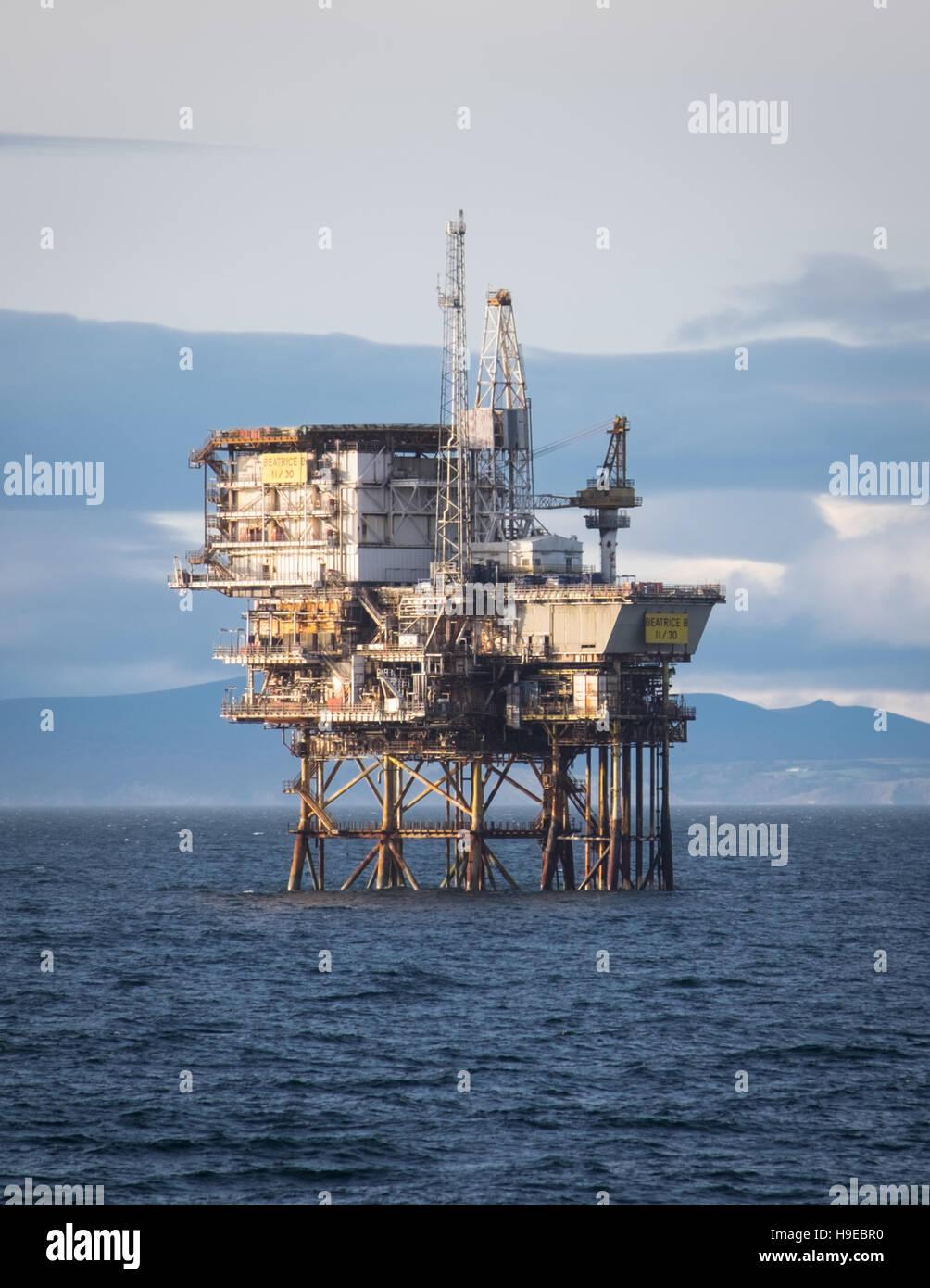La plate-forme pétrolière, Beatrice B (11/30) dans le Moray Firth, Ecosse Photo Stock