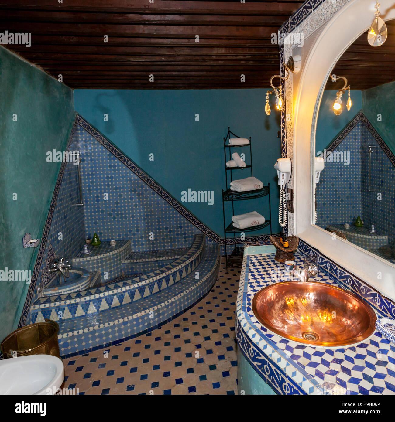 Salle De Bain Fes Maroc ~ salle de bains en suite royale riad arabesque f s maroc banque d