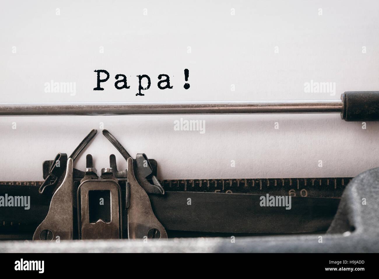 Papa écrit sur papier Photo Stock