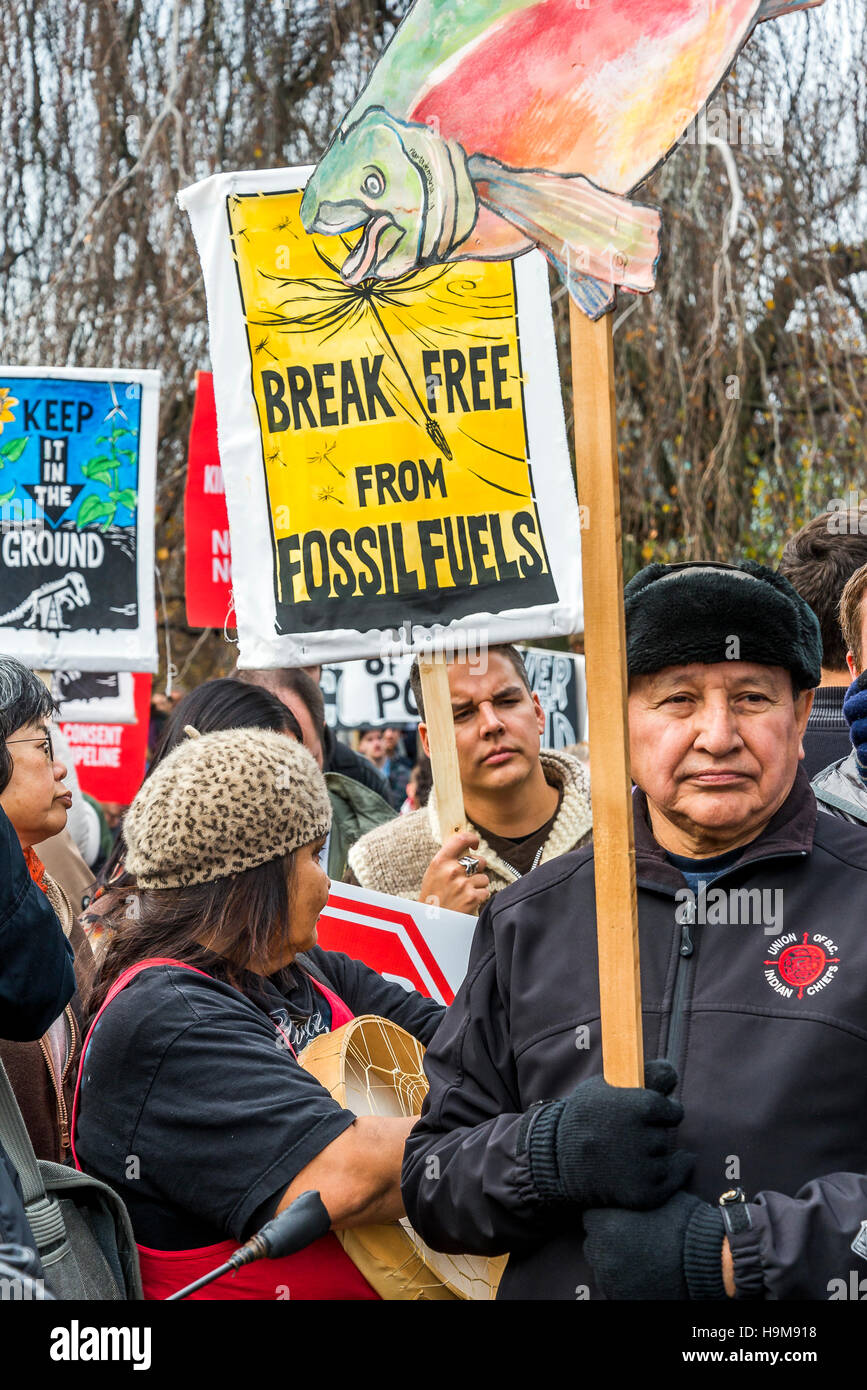 Pipeline de Kinder Morgan anti meeting de protestation et mars, Vancouver, Colombie-Britannique, Canada. Photo Stock