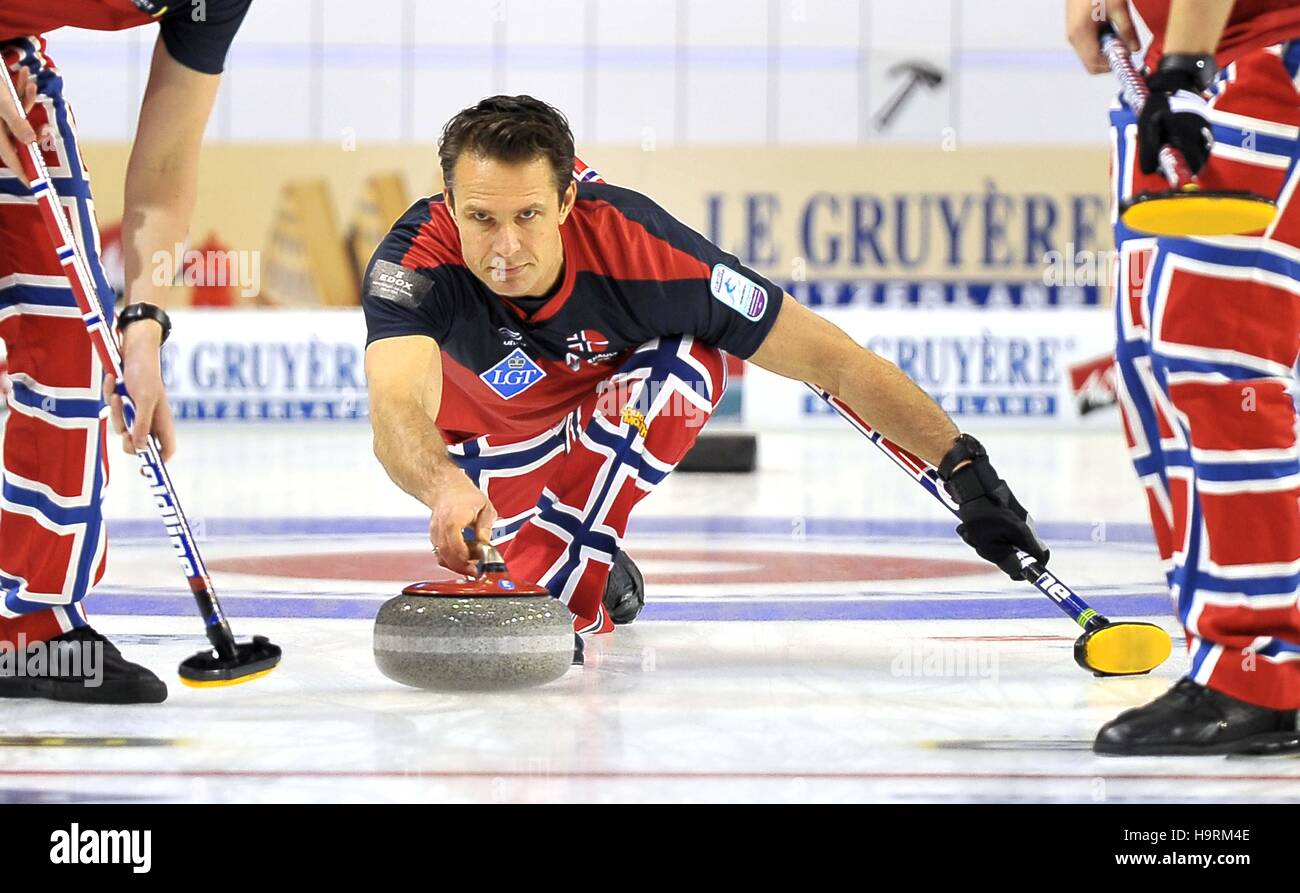 Glasgow, Ecosse, Royaume-Uni. 26 novembre, 2016. Thomas Ulsrud (Norvège, skip). Mens final. Le Gruyère Photo Stock