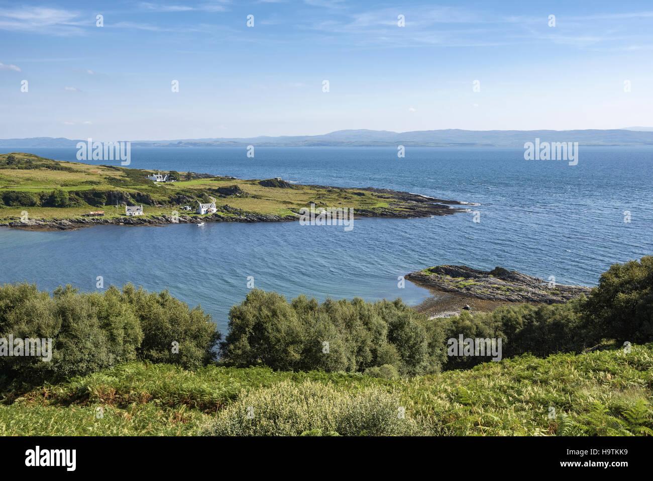 Vue sur la baie Tarbert, Isle of Jura, Hébrides intérieures, Ecosse, Royaume-Uni Banque D'Images