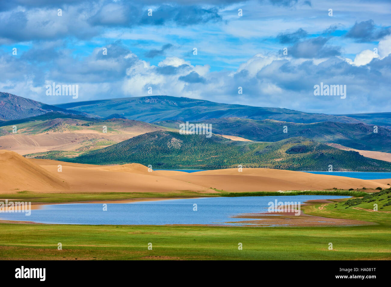La Mongolie, province Zavkhan, Khar Nuur lake Photo Stock