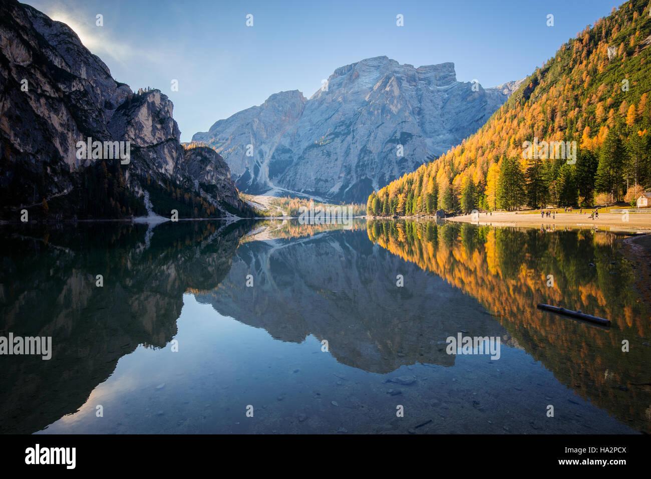 Le lac de Braies en Dolomites Tyrol du Sud, Italie, Banque D'Images