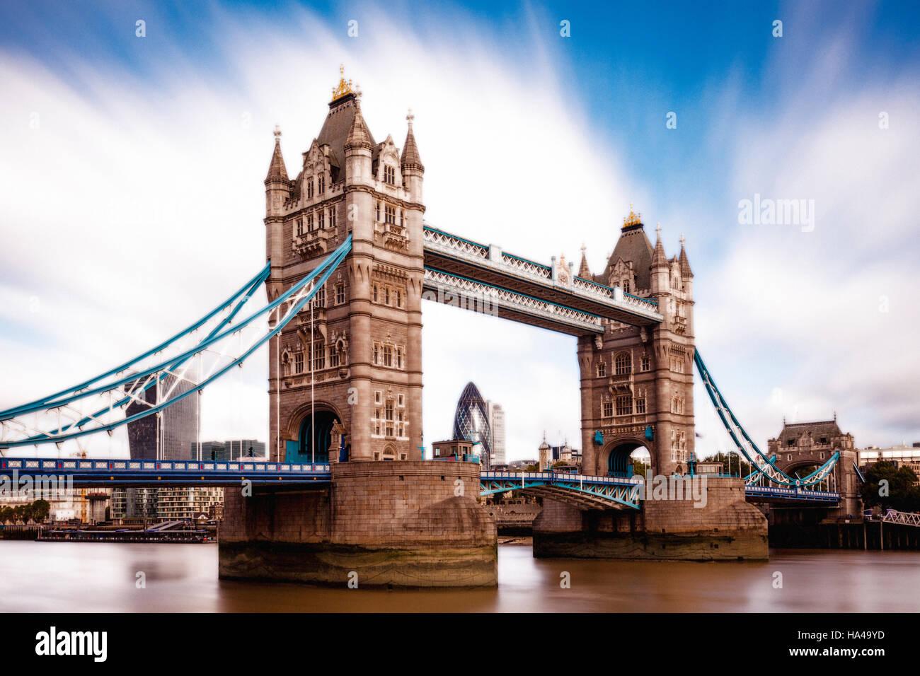 Le Tower Bridge et la Tamise, Londres, Angleterre Photo Stock