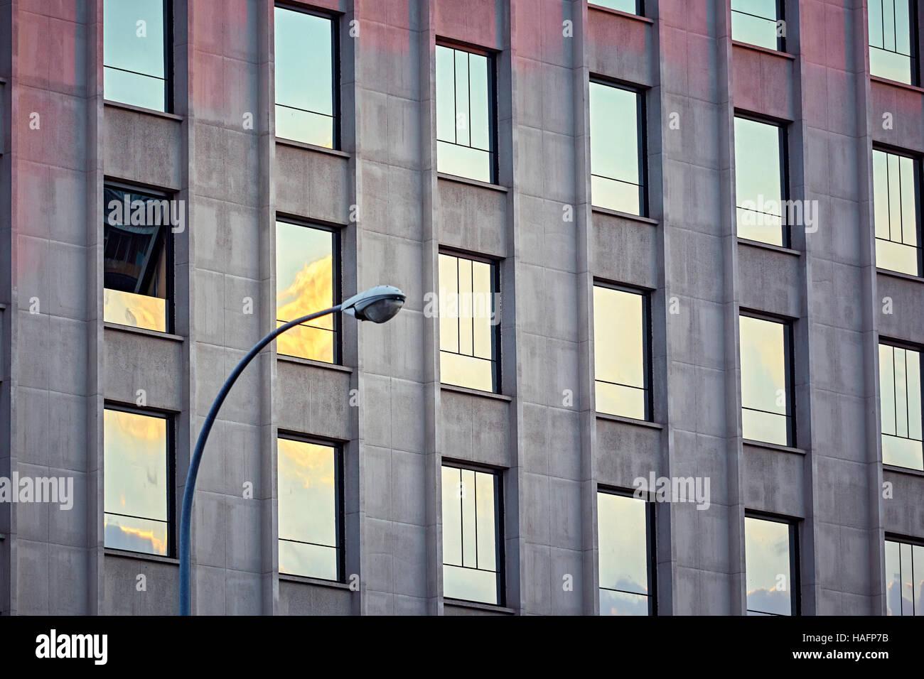 Motif de répétition sur un immeuble de bureaux. Madrid. Espagne Photo Stock