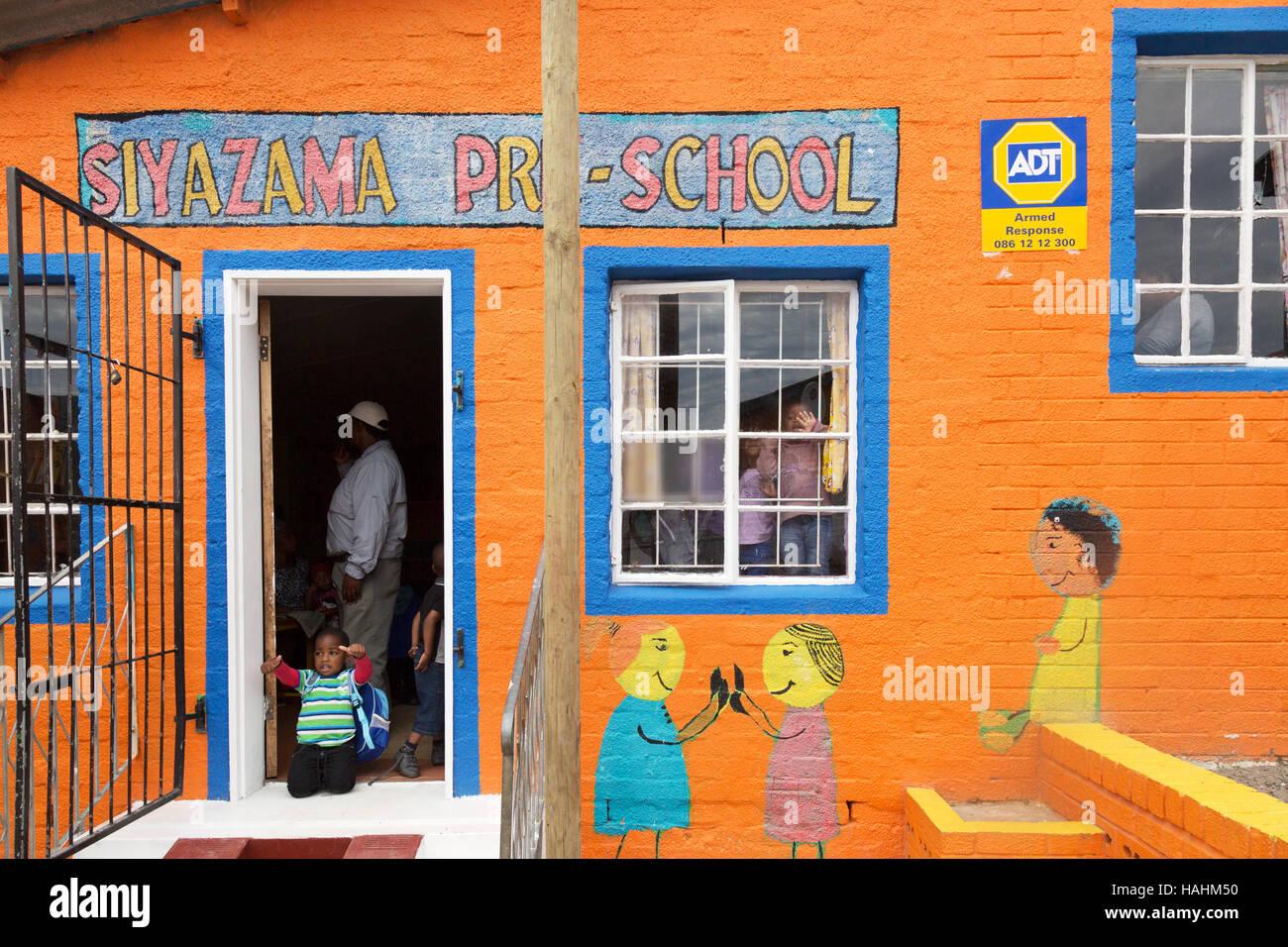 L'école maternelle, Imizamo Yethu township, Hout Bay, Cape Town, Afrique du Sud Banque D'Images