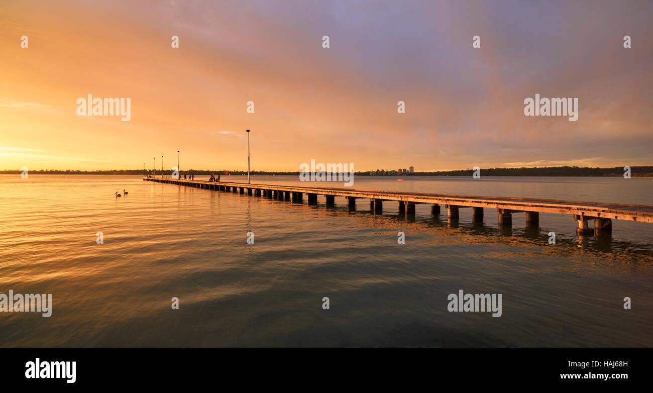 Jetée de Côme au coucher du soleil. Perth, Australie occidentale Photo Stock