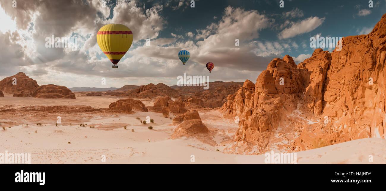 Hot Air Balloon voyage sur desert Photo Stock