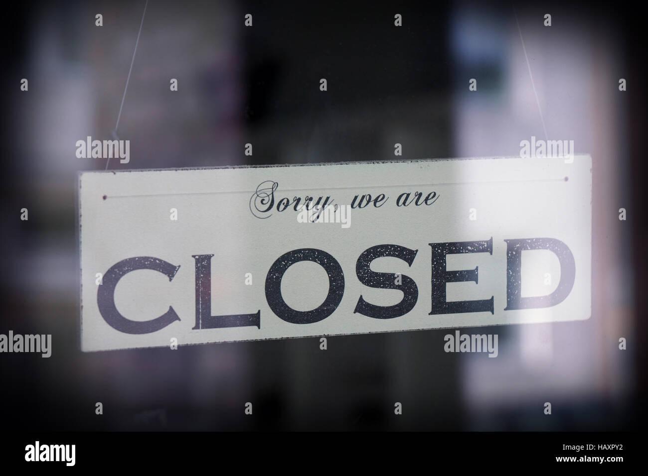 Panneau disant désolé nous sommes fermés Photo Stock