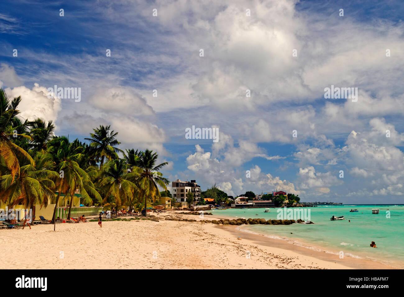 Worthing Beach à Worthing, entre St Lawrence Gap et de Bridgetown, La Barbade, la côte sud, des Caraïbes. Photo Stock