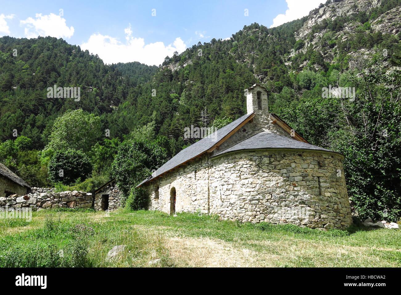 Petite chapelle romane dans les Pyrénées. Et d'Aigüestortes Sant Maurici Park National de la Photo Stock