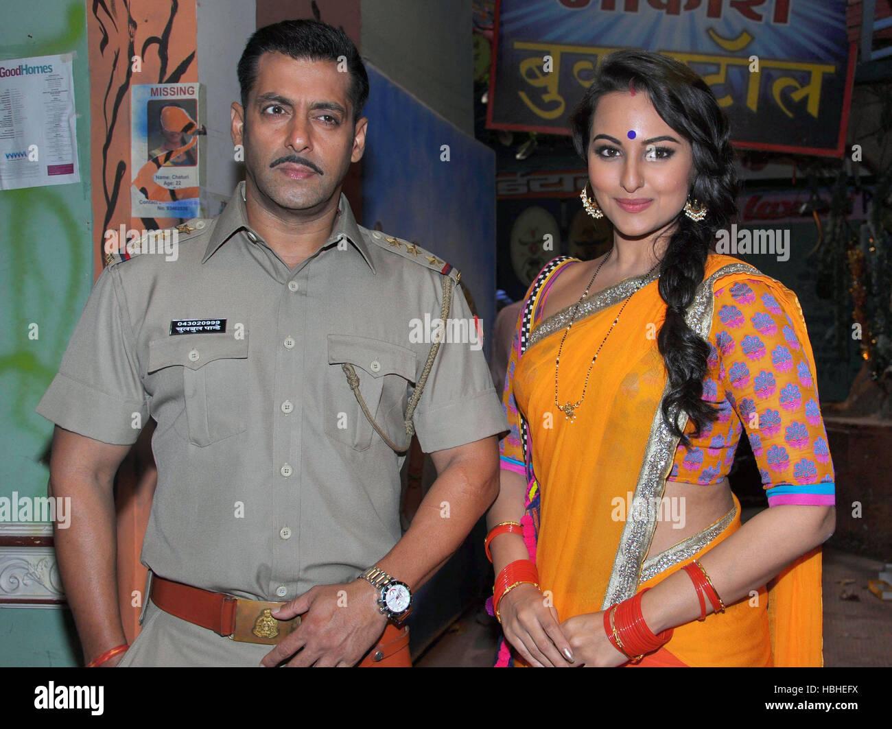 Les Acteurs De Bollywood Salman Khan Sonakshi Sinha Posent La