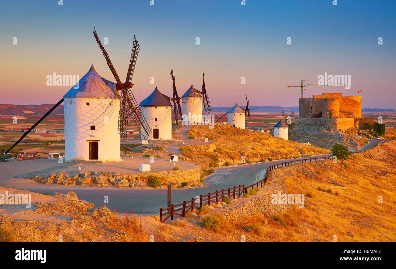 Les moulins à vent à Consuegra, Espagne Photo Stock