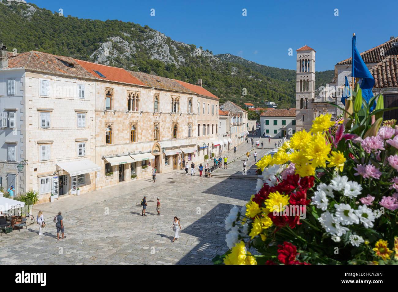 Place principale, Hvar, île de Hvar, Dalmatie, Croatie Photo Stock