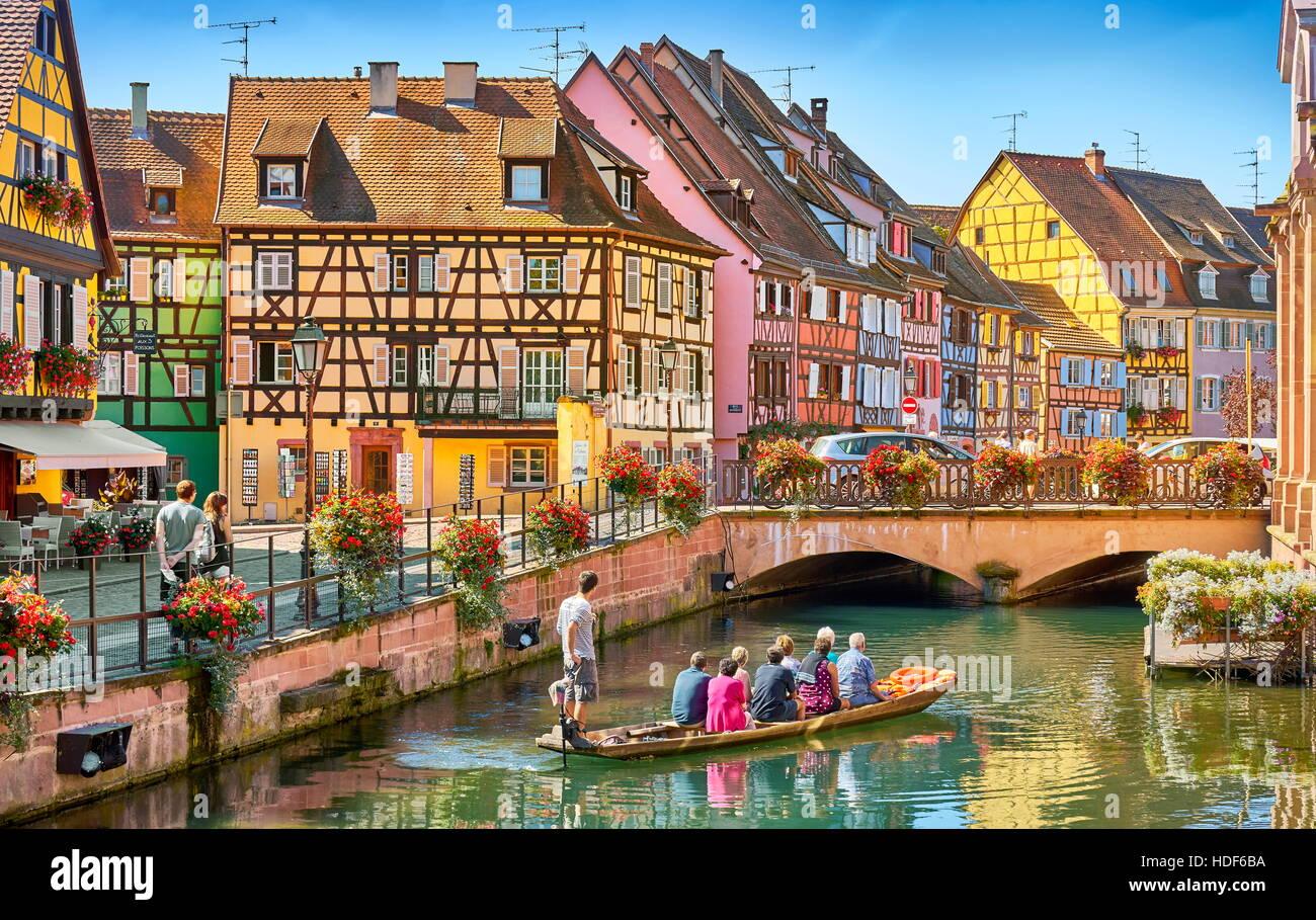 Les touristes sur le bateau, la Petite Venise, quartier de Colmar, France Photo Stock