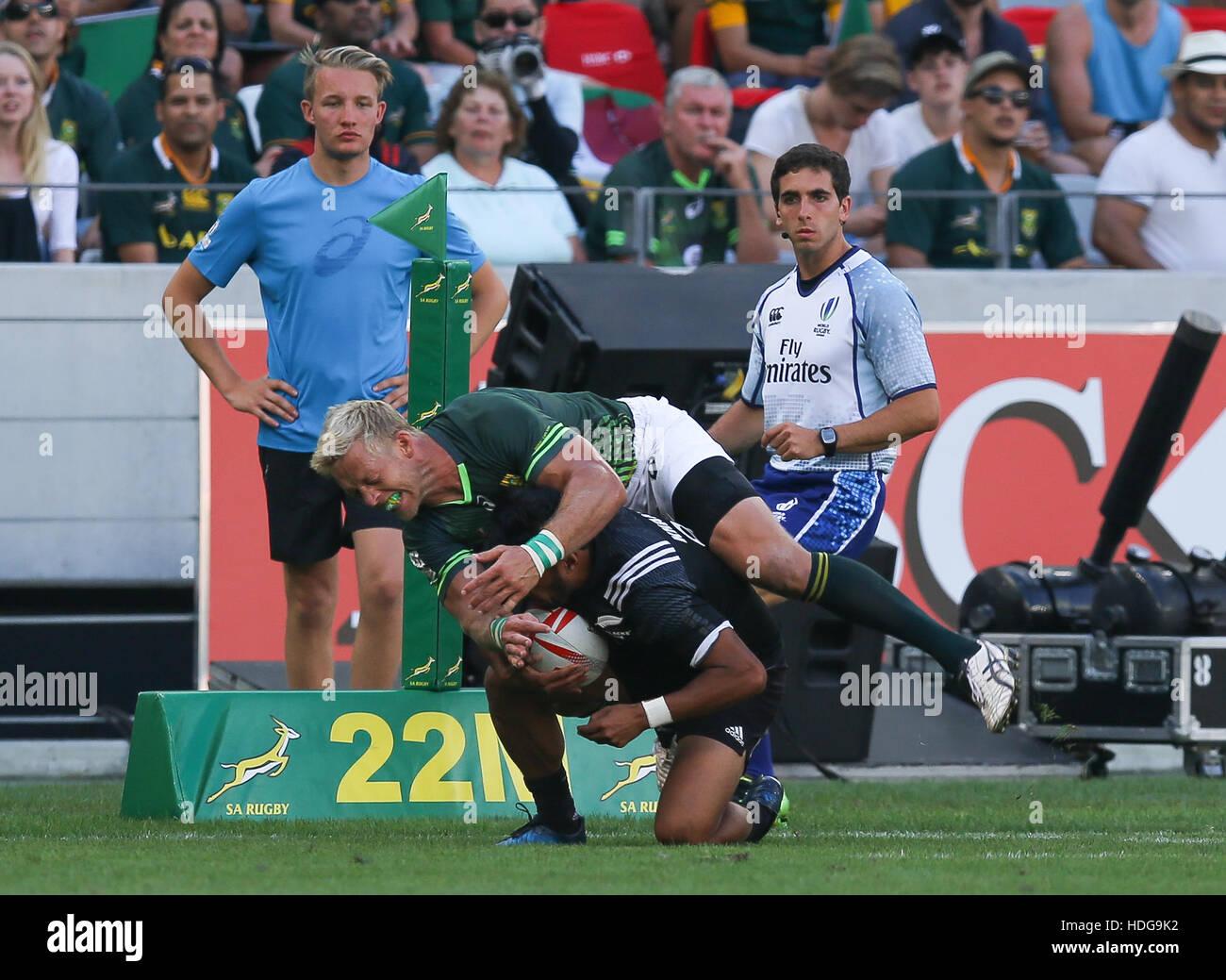 L'AS Rugby Springbok Sevens joueurs en action pendant le tournoi de rugby à VII de la HSBC 2016 au Cape Town Stadium à Green Point Point, Cape Town. Banque D'Images