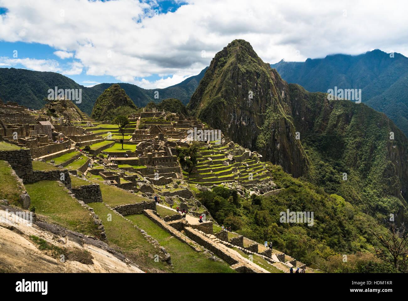 Vue de la cité inca perdue de Machu Picchu près de Cusco, Pérou. Le Machu Picchu est un sanctuaire Photo Stock