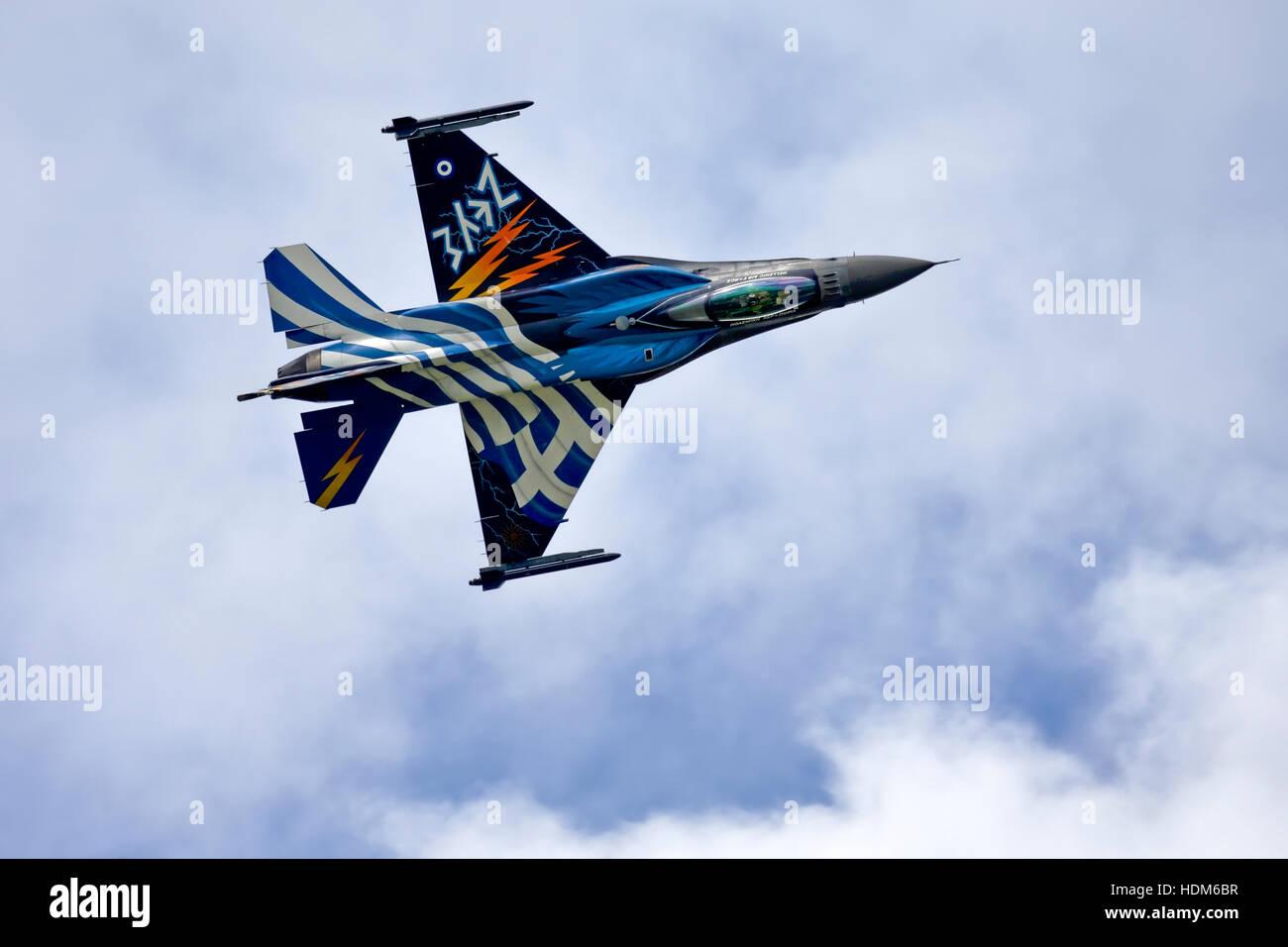 L'équipe de démo Zeus Lockheed Martin F-16C Fighting Falcon de 340/343 Mira, Hellenic Air Force, Souda, à RIAT 2016, RAF Fairford, UK. Banque D'Images