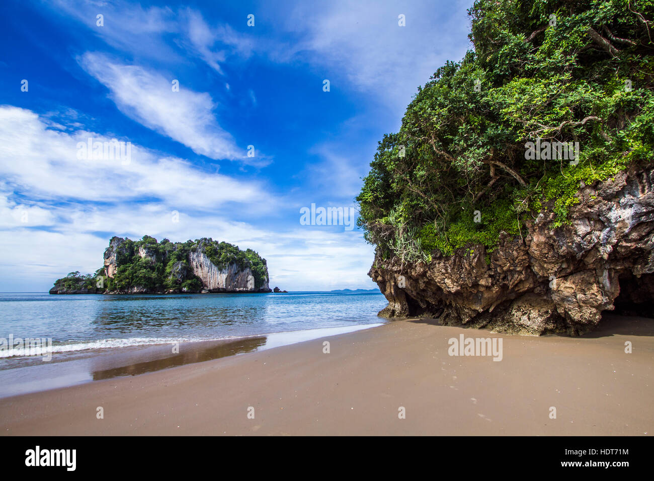 Plage de Hat Chao Mai parc national en Thaïlande Photo Stock