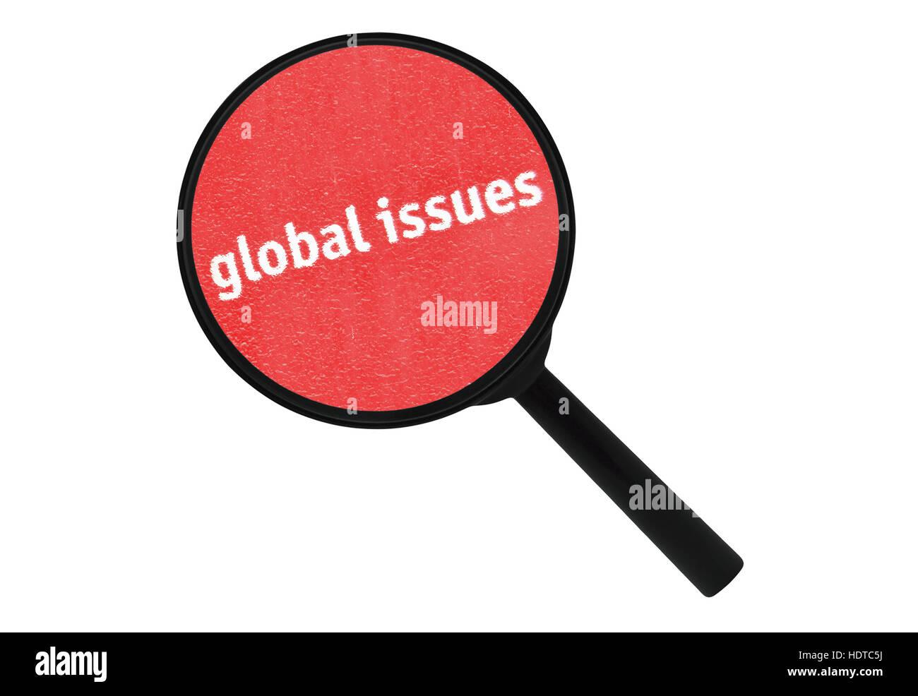 Questions mondiales texte écrit sous une loupe isolé sur fond blanc Photo Stock