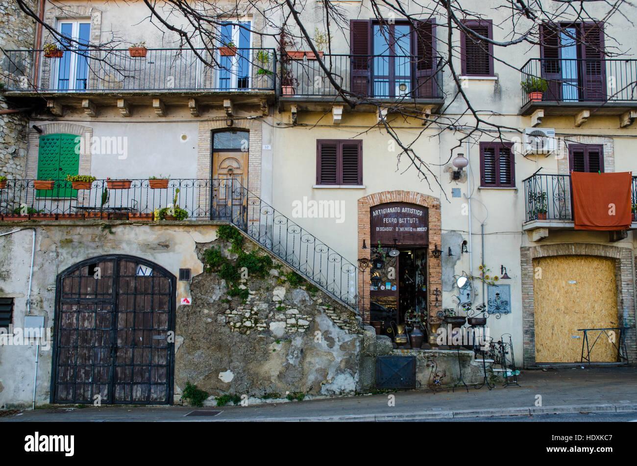 Acheter Une Maison En Italie Abruzzes rue d'italie - guardiagrele guardiagrele, italie, abruzzes