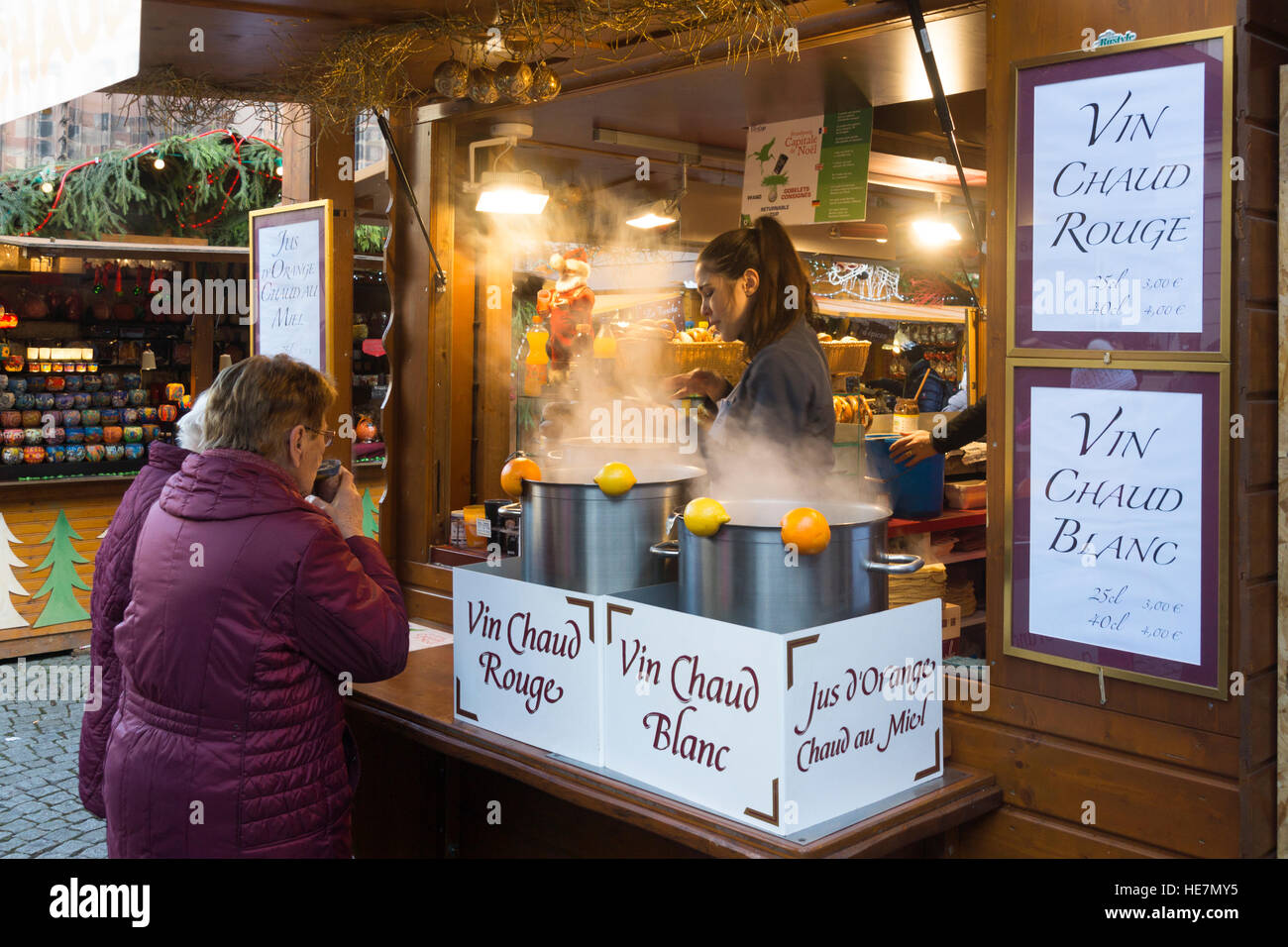 mulled wine stand photos mulled wine stand images alamy. Black Bedroom Furniture Sets. Home Design Ideas