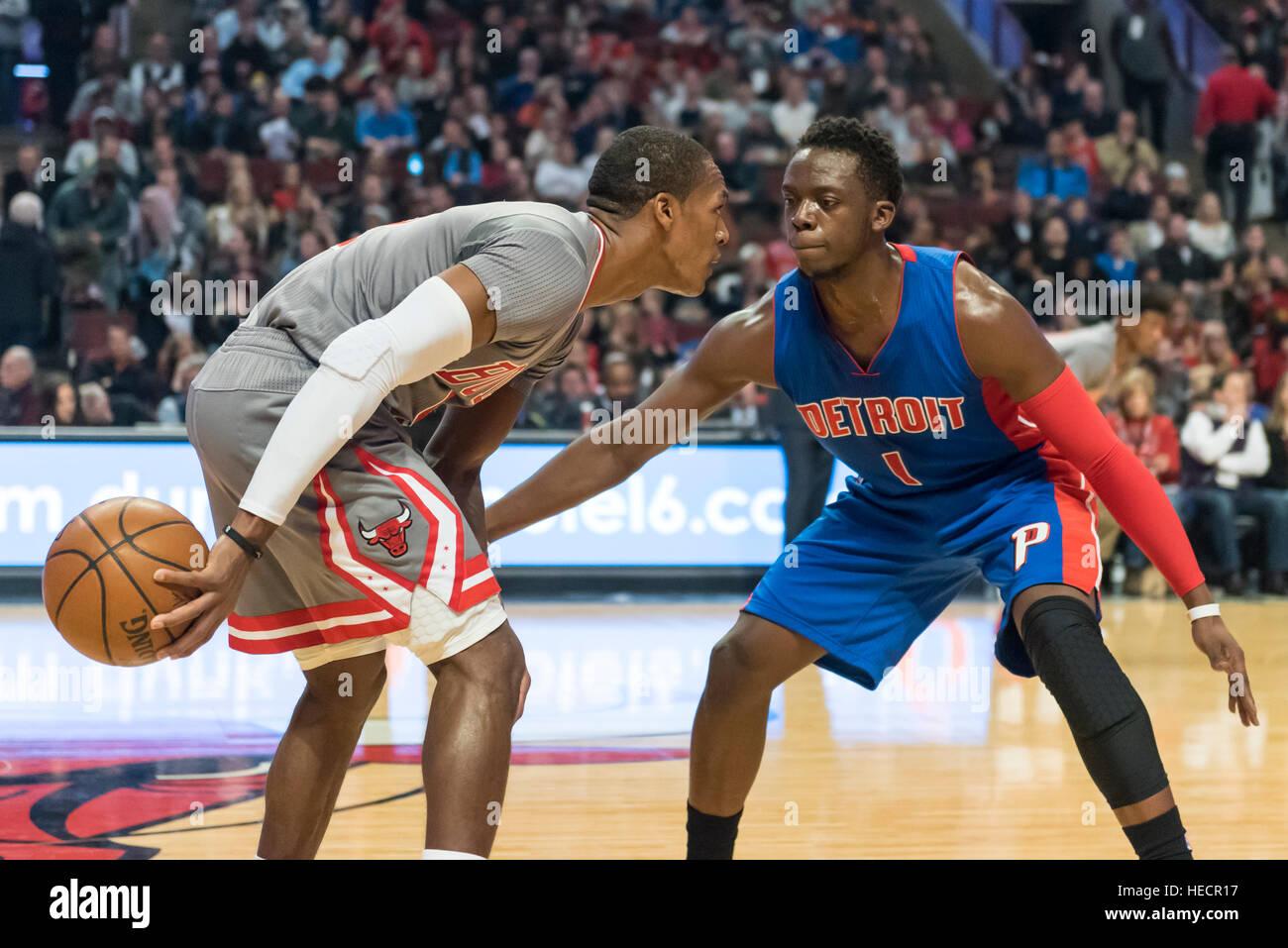 Chicago, USA. 19 décembre 2016. Bulls guard (#9), Rajon Rondo, en possession de près par pistons Photo Stock